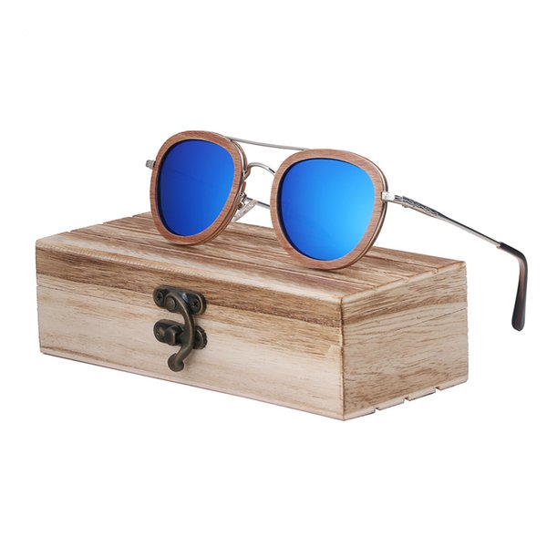 blue lens with case2