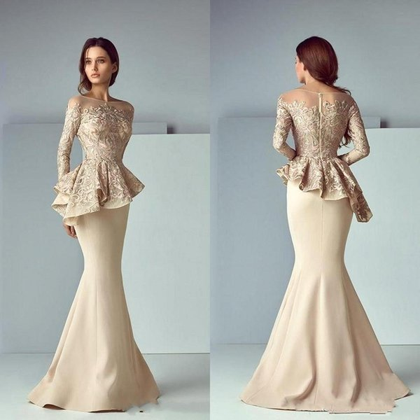 2019 Champagne Mermaid Mother of Bride Dresses Plus Size Lace Jewel Neck Long Sleeves Ruffles Floor Length Mother of Groom Dresses