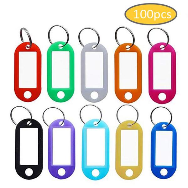 100 unids / lote etiquetas de llavero de plástico duro resistente etiquetas de nombre de etiqueta de identificación con anillo partido para el número de sala de equipaje llaveros evitan etiquetas perdidas 10 colores