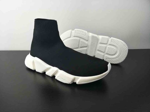 2018 High Quality Unisex Casual Shoes Flat Fashion Socks Boots Woman New Slip-on Elastic Cloth Speed Trainer Runner Man Shoes Outdoors 36-48