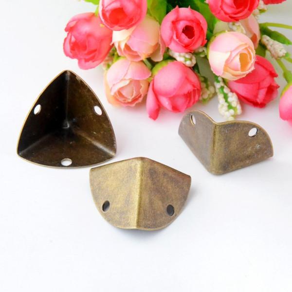 O envio gratuito de 8 Pcs de Bronze Antigo Caixa De Presente De Jóias De Madeira Caso Pés Decorativos Perna Canto Protetor 27x38mm J2966