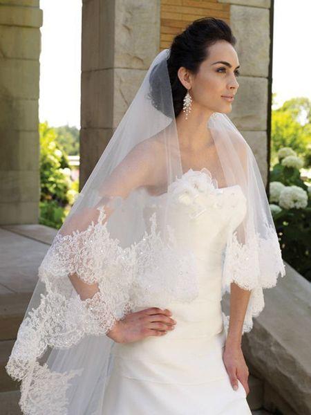 2018 New Wedding Veil Paillettes Pizzo Bordato Veli da sposa con pettine Due strati Bianco / Avorio Velos De Novia Accessori da sposa Voile all'ingrosso