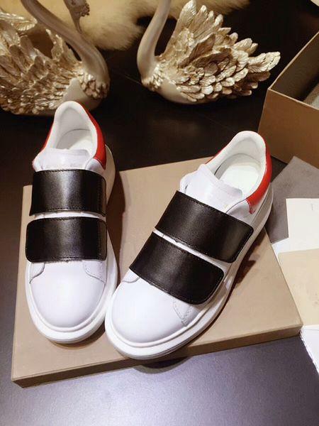 Sıcak !! 2019 Moda Paris 17FW Üçlü-S Sneaker Üçlü S erkekler kadınlar için Rahat Baba Ayakkabı Spor Tasarımcısı Ayakkabı Boyutu 35-44 gs180412