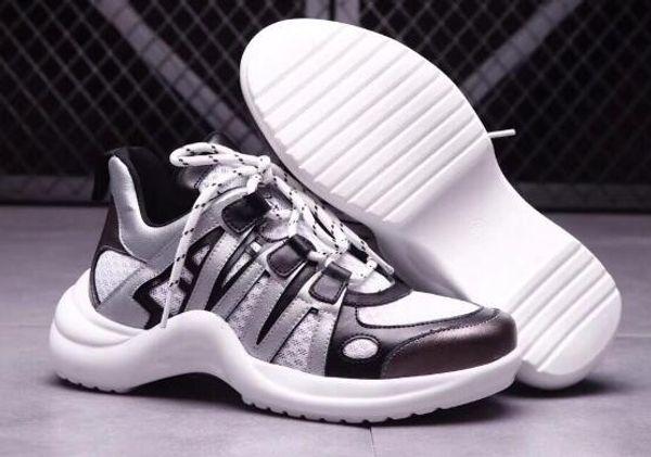 Women Spring Footwear 2018, tendenza delle sneaker di moda selvaggia con un design futurista di solidi volantini, Trend Spring Are Dominating Runway Shoes