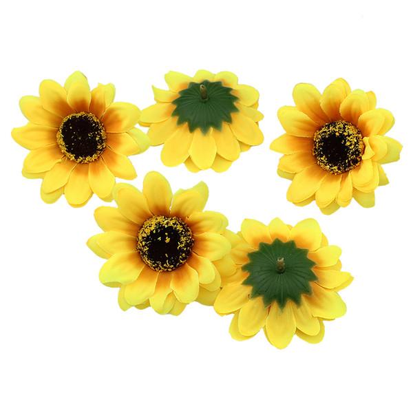 7cm Soie Tournesol Tête De Fleur DIY Artificielle Têtes De Fleurs Couronne De Mariage Accessoires De Cheveux Faux Fleurs Décoration 50pcs / Lot
