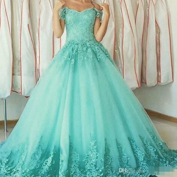 Vintage Mint Green Long Prom Dresses 2018 V Neck Cap Sleeves Bandage Lace Quinceanera Dresses Sweet 16 Gowns Vestido de 15 anos