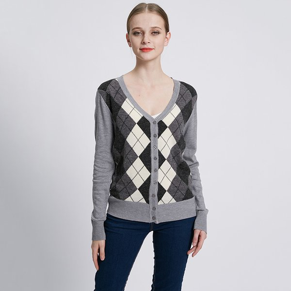 Autumn Ladies Jacquard Plaid Cardigan Sweater Casual knitted Buttons cardigan Free Shipping Gray plaid pattern Cardigan Sweater L18100801