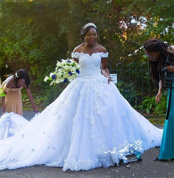 Modest Off the shoulder Wedding Dress For Black Women African Designer A line Lace Applique Sequins With Short Sleeves Court Train Country