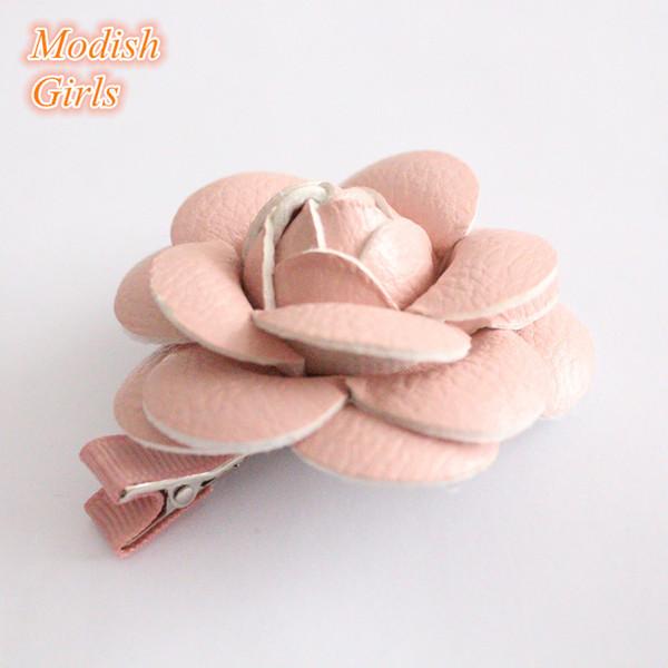 Accesorios para el cabello de oro de diseño Pasadores para niños Pinzas para el cabello florales rosas rosadas famosas Horquillas para el cabello 12pcs / Lot Flor de cuero artificial