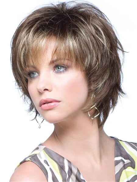 Brown mischte kurze überlagerte Haarperücke mit Seitenknall Hitzebeständige Faser synthetische Perücke capless Art und Weiseperücke für Frauen