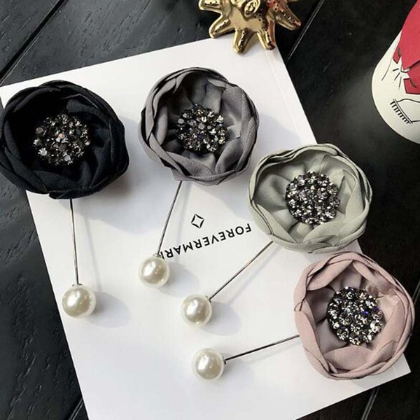 Elegant Women Chic Crystal Pearl Flower Brooch Pins Handmade Fabric Flower Bouquet Corsage Women Suit Lapel Pins Accessories Jewelry