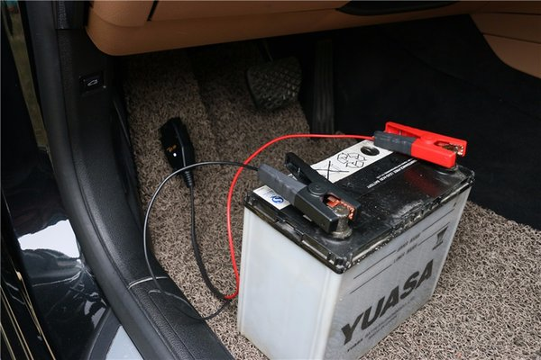 Atacado-Profissional Universal OBD2 Ferramenta de substituição de Bateria Automotiva Computador Car ECU MEMORY Saver Auto cabo de alimentação de emergência