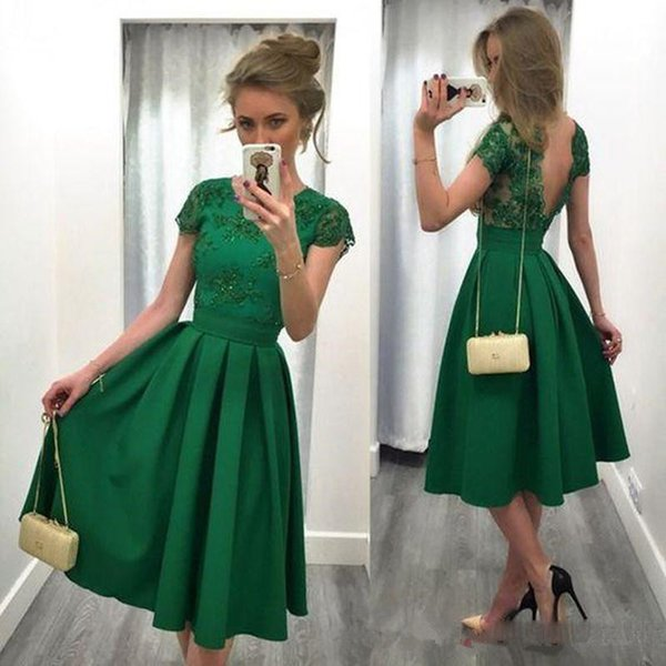 Cheap Jade Green Short Cocktail Dresses Lace Appliques Cap Sleeves Party Gowns Backless Pleats Satin Vintage Knee Length Prom Dress