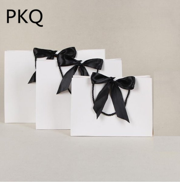 28*9*20cm Green/white/pink Paper Bag Wedding Gift bags with handles Ribbon Shopping Clothing Cosmetic packaging bags 10pcs