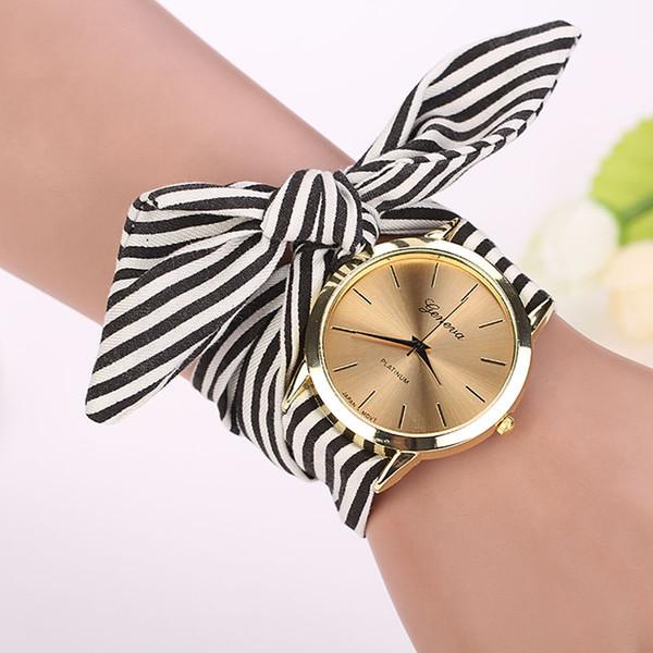 2018 nouveaux modèles modulables avec des fleurs Floral tela de cuarzo Dial reloj de pulsera