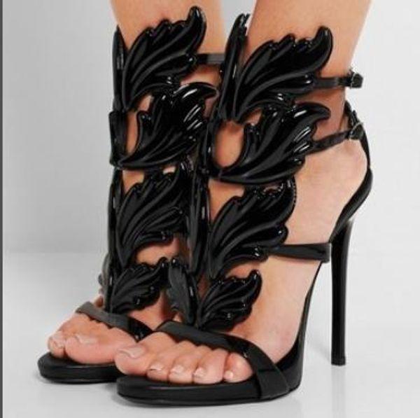 2018 Diseñador de la hoja de metal de las mujeres Ala Sandalias de tacón alto Desnudo Dorado Negro Partido Eventos Zapatos Gladiador Sandalias con Alas Metálicas