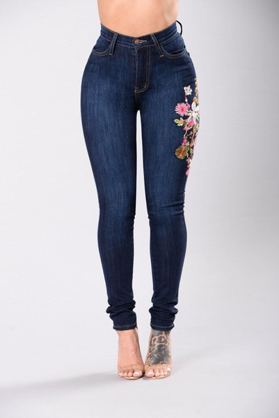 2018 Femmes Jeans Broderie Florale Skinny Denim Long Pantalon Slim Fit Stretchy Skinny Butt Pust Up Ladies Jeans Taille Haute