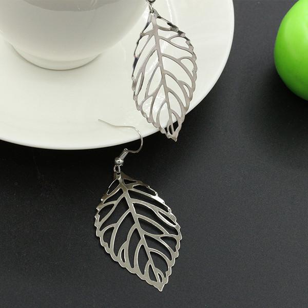 Hot Fine Jewelry Simple Lifelike Hollow Metal Leaves Stud Earrings For Women or Girl earrings wholesale
