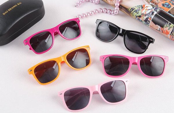best selling UV 400 Cool Retro Sunglasses Retro Non-Mainstream Unisex Fashion Vintage Retro Trendy Sunglasses 1000 Piece SN1202