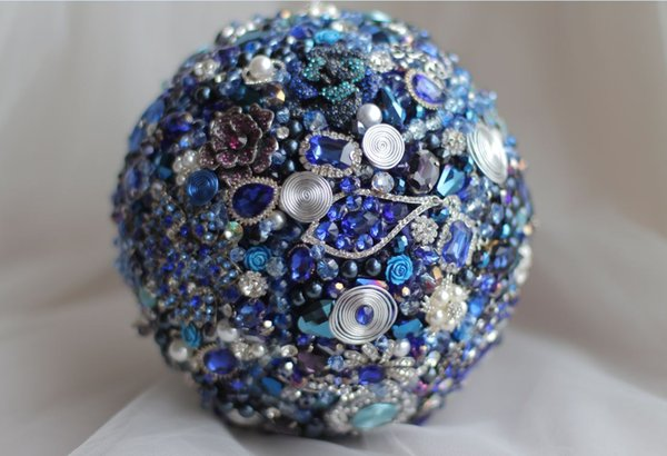 Customized European and American luxury wedding bouquets shine jewelry brooch treasure blue bridal bouquet