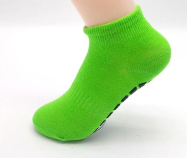top popular Cheap kids Trampoline socks non-skid jumping socks point massage bottom bounding Sock baby toddler kids non-slip jump socks 2021