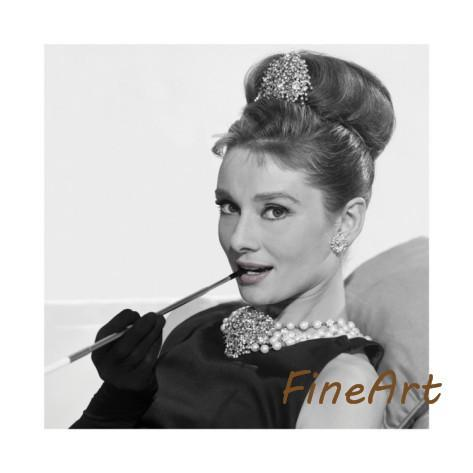 2019 Hand Painted Oil Paintings Audrey Hepburn Black And White Canvas Art Discount Wall Art Quotes Decorative Painting From Kungfuart $41 57