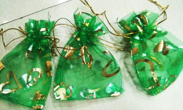 Heiße Rabatte ! 100 stücke GRÜN HERZ Kordelzug Organza Geschenk Taschen 7x9 cm 9x12 cm 10x15 cm Hochzeit Party Favor Weihnachten schmuckbeutel