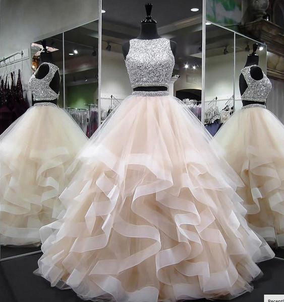 Duas Peças de Tule Vestidos De Baile Vestidos Quinceanera 2018 Pedras Frisado Top Layered Babados Backless Prom Vestidos Sweety Meninas 16 Anos Vestidos