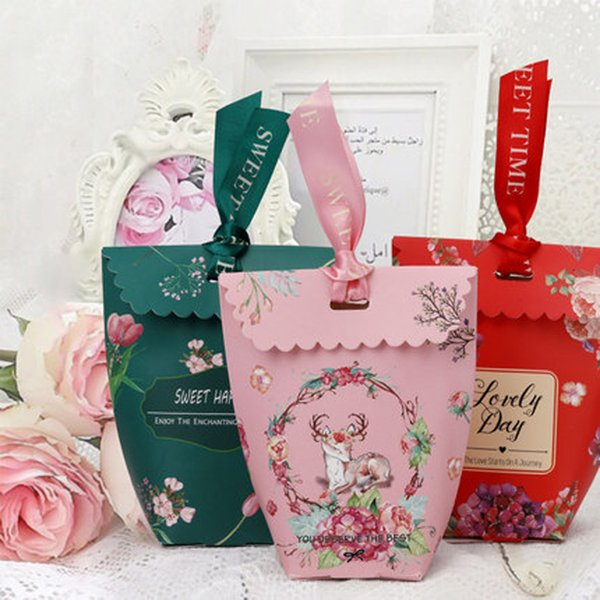 50 PCS Flower Candy Boxes Wedding Favor Box with Ribbon Craft Sweet Gift Bag Party Supplies (4 Colors)