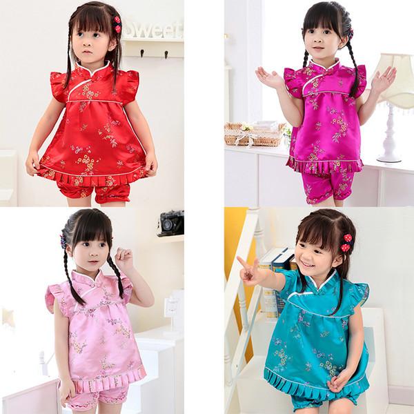 2017 nuova estate floreale neonate vestiti imposta abiti infantili Capodanno cinese tops abiti pantaloni corti Qipao cheongsam