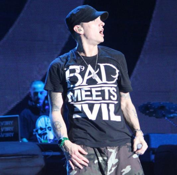 Mens Clothing Eminem Bad Meets Evil Tee Letters Print Hip Pop Tshirt Candy Colors Cotton Fashion Clothes
