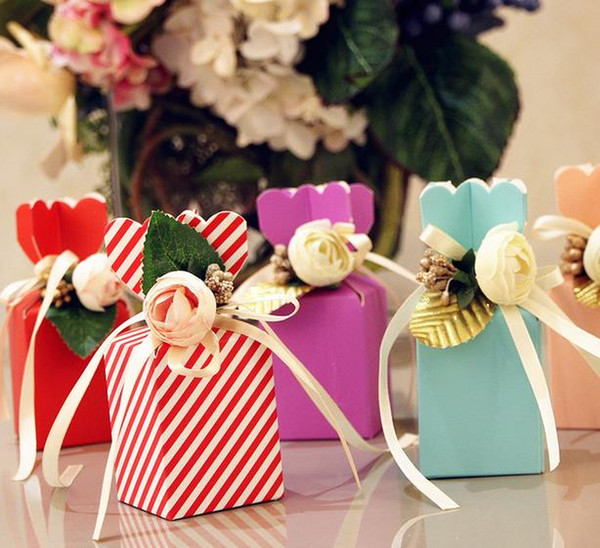 50pcs Beautiful Tiffany Blue Vase Shape Sweet Wedding Candy Box With White PE Rose Flower Birthday Party Red Pink Gift Box