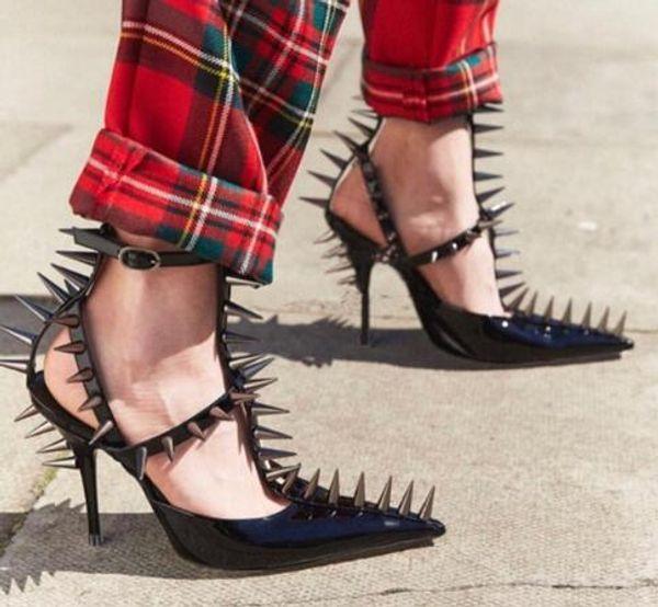 Üst Punk Perçinler Seksi Özel Sivri Burun Stiletto Yüksek Topuklu Siyah Beyaz Gladyatör T-Kayışı Sandalet Kadın Ayakkabı Pompalar