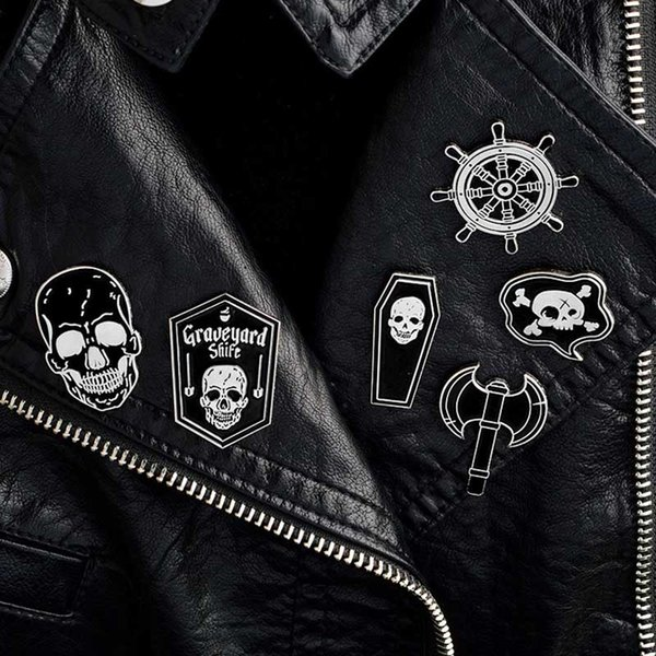 Épingles De Pirate Skeleton Skull Rudder Broches De Cercueil Denim veste Chemise Col Revers Épingle Boucle Badge Punk bijoux drop shipping