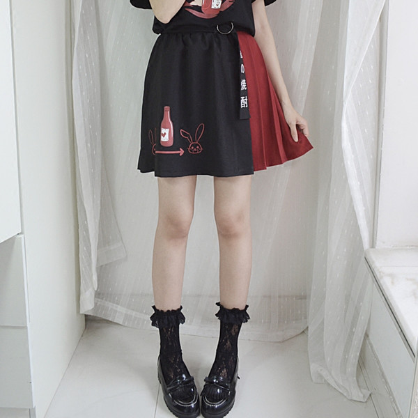 Japanese Harajuku Lolita Black Pleated Skirt Soft Sister Fashion Words With Belt Kawaii Bunny Cartoon Heart Printing Mini Skirts