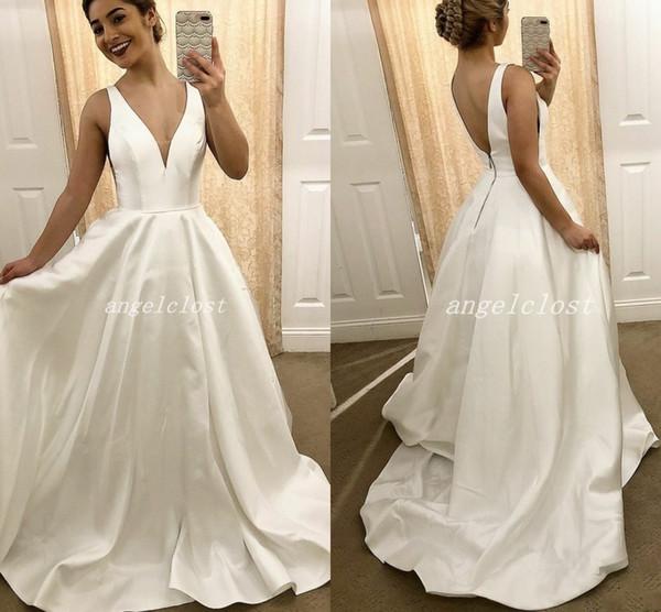 Modelos Vestido De Noiva Elegante Simples Vestidos De Casamento 2018 V Neck Backless Sem Mangas Sweep Train País Plain Capela Do Jardim Vestidos De