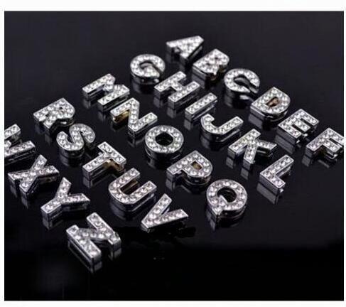 Toptan 26 adet 10mm A-Z Tam Rhinestone Slayt Mektuplar Charm DIY Aksesuarları Fit 10mm Pet Yaka / Bileklik / Bilezik.