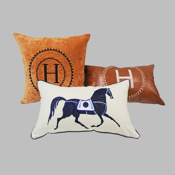 Embroidered Luxury Letter H Circle Pattern Signage H Flannel linen and PU Material Pillow Case Cushion Cover Family Fabric Decoration