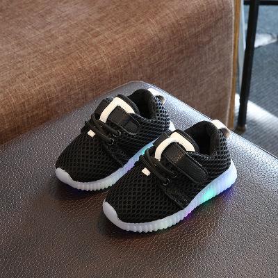 2018 maille mignon LED glitter Lovey baskets bébé coloré chaussures éclairées bébé vente chaude chaussures de course filles garçons livraison gratuite