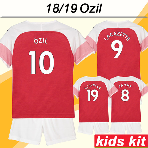 2018 19 OZIL Kid Kit Soccer Jerseys RAMSEY LACAZETTE KOSCIELNY Home Away Boy Camisetas de fútbol MUSTAFI WELBECK S.CAZORLA Child Short Sleeves