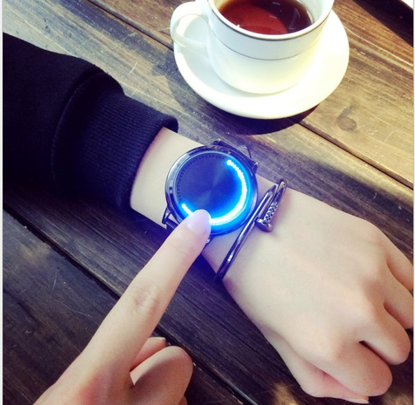 Creative concept personality tide brand smart round leather with simple waterproof LED watch tide men and women couple table