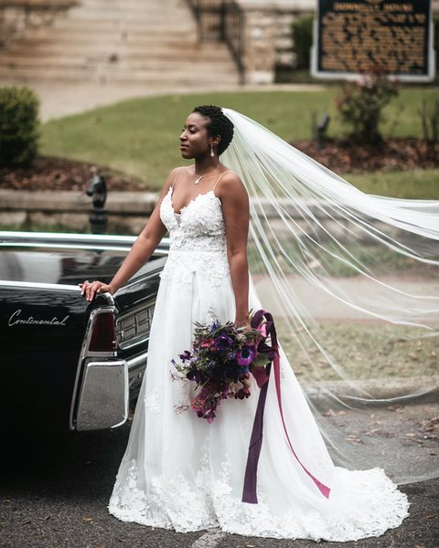 Fashion Simple White A Line Lace Wedding Dresses Sleeveless Spaghetti Strap Tulle Floor Length Wedding Gowns Bridal Dresses Custom Made 2018