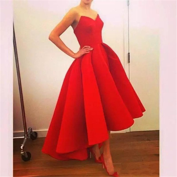 Vintage Hi Low Prom Dresses 2019 V Neck Sleeveless Puffy Skirt Red Satin Evening Gown Arabric Formal Party Gowns