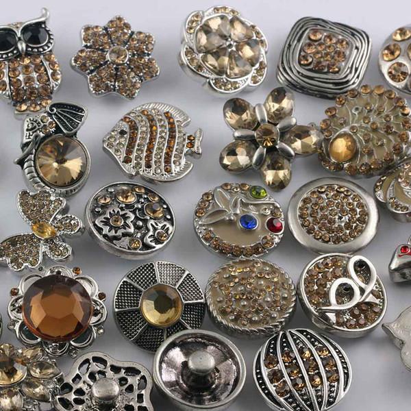 NOOSA Chunk Snaps Button Jewelry Venta al por mayor caliente 50 unids / lote mezcla de estilos 18 mm Rhinestone Metal Snap Button Charm Fit pulseras collar