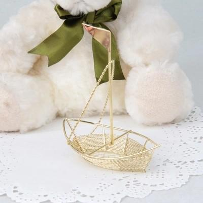 New Wedding Favor Boxes European Creative Gold Metal Ship Shaped With Beautiful Guaze Accessories Baby Shower Party Favors Candy Package