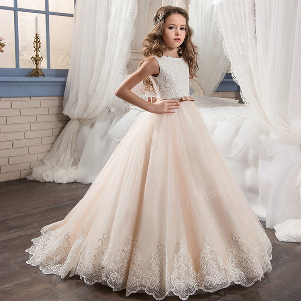 2018 Beautiful Purple and White Flower Girls Dresses Beaded Lace Appliqued Bows Pageant Gowns for Kids Wedding Party FD004