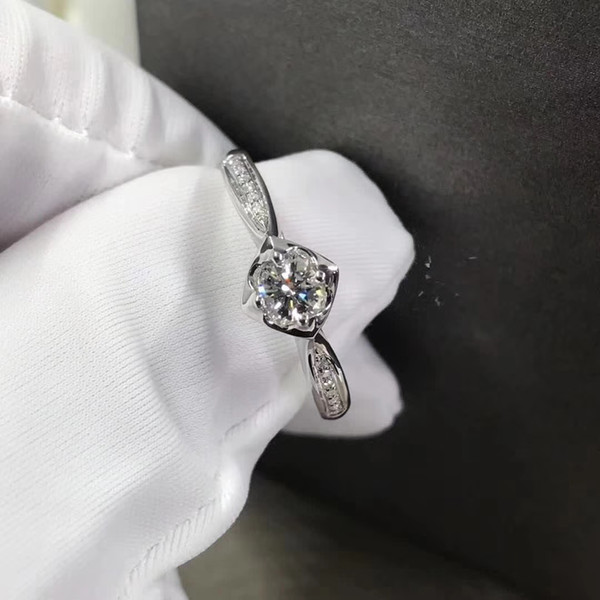 Free Shipping Four-leaf Clover Shape Fashion 18K Gold Engagement&Wedding 1Ct Moissanite Lab. Diamond Lucky Rings With Certificate