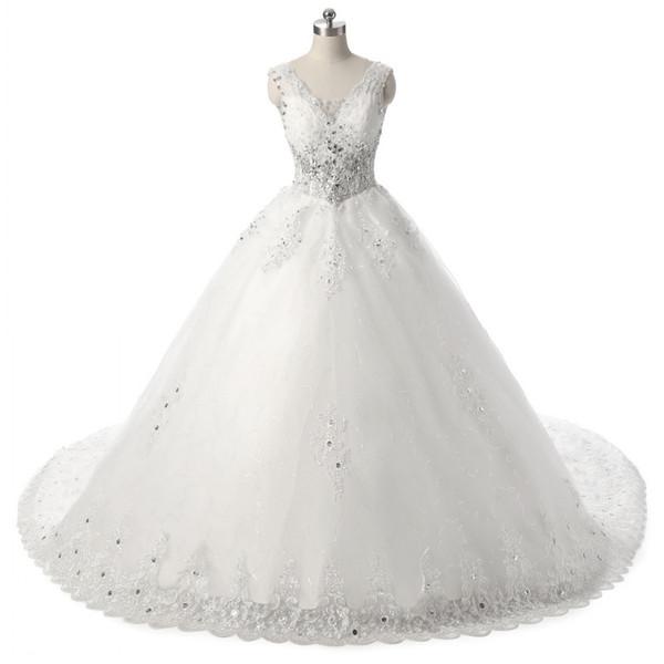 2018 New Ball Gown Wedding Dresses V-neck Appliques Crystal Wedding Gowns Chapel Train Wedding Gowns Robe De Mariage Vestido De Noiva