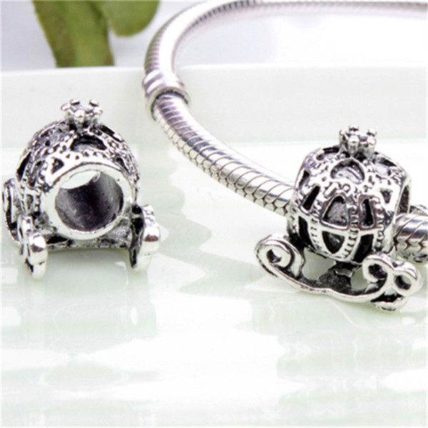 Retro Carriage Alloy Charm Bead Fashion Women Jewelry Stunning Design European Style For DIY Bracelet Necklace