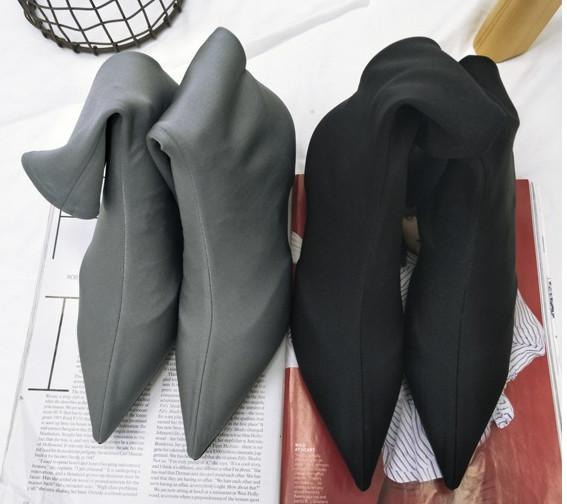 2018 New Fashion Pointed Toe Stiletto High Heels Sexy Heels Femal Pointed Toe Warm Shoes Black Ladies Half Boots